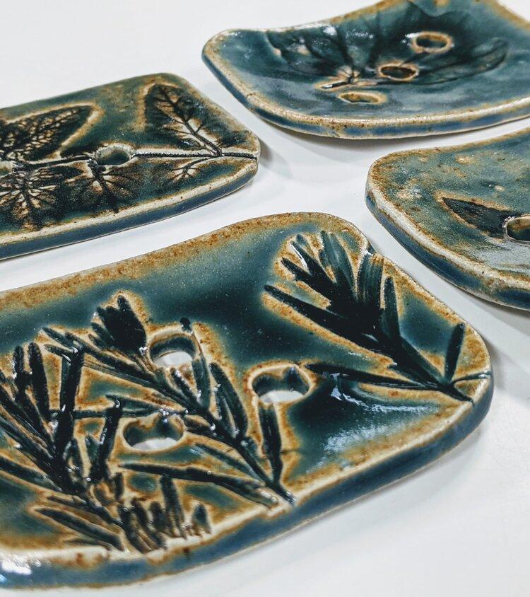 V21 Pottery